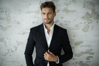 Hairstyle Ideas For Men To Wear At Weddings