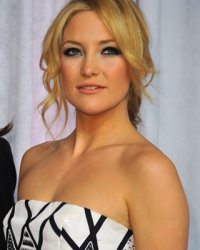 kate-hudson-messy-upstyle
