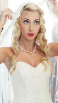 long-flowing-bridal-wedding-hair